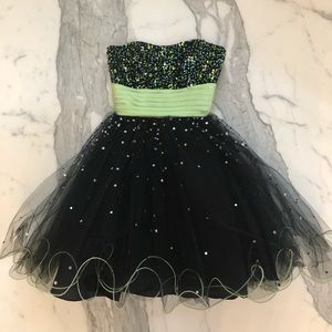 Black and Green Sequined Prom Dress